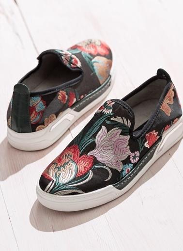 Desenli Ayakkabı-Elle